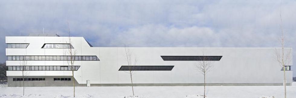 Novo centro logistico para atender à crescente procura mundial